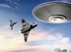 Divulgado vídeo de perseguição a um UFO por duas aeronaves militares  Ocorrência aconteceu na Califórnia e foi divulgada pela Mufon     Leia mais: http://ufo.com.br/noticias/divulgado-video-de-perseguicao-a-um-ufo-por-duas-aeronaves-militares    CRÉDITO: PAULO WERNER    #Perseguição #UFOS #California #Mufon #revistaUFO
