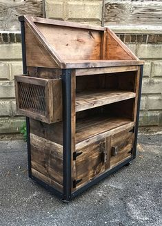 fun professional wooden pallet furniture ideas you can sell 16 ~ IRMA Wooden Pallet Projects, Wooden Pallet Furniture, Wooden Pallets, Wooden Diy, Pallet Furniture Blueprints, 1001 Pallets, Handmade Home, Rustic Industrial Furniture, Antique Furniture