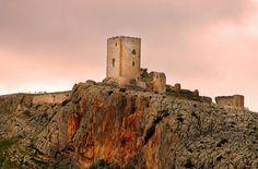 """CASTLE OF SPAIN - Castillo de Teba ó de la Estrella. (Málaga). Castillo almohade y emblema de la Comarca del Guadalteba. Tuvo 18 torres que protegieron a la población de su interior y un extraordinario alcázar. Escenario de la """" Batalla de Teba"""" 1330, en la que Sir James Douglas, caballero escocés, lucho junto las tropas cristianas en la batalla. Sir James Douglas, héroe legendario en su Escocia natal, protagonizó un episodio significativo de la historia de Teba."""