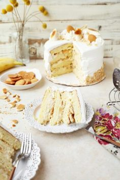 Banana Pudding Cake - The Candid Appetite