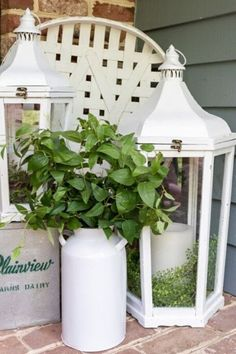 Loving Joanna Gaines doesnt mean you need to go broke. Check out this thrift store Farmhouse lantern makeover idea you can do for cheap. This easy painted lantern idea is simple yet stylish and will make your home decor look expensive. #diy #farmhouse #lantern Glazing Furniture, Diy Furniture, Picket Fence Panels, Installing Laminate Flooring, Solar Mason Jars, Porch Steps, Farmhouse Chic, Diy Wall Art, Thrifting