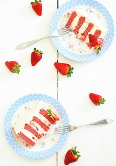 Louise´s Spis: Strawberry Cake with Whipped Cream Cheese Frosting (Jordgubbstårta på nytt vis)