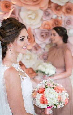 A Stunning Bride & Her Bouquet @lynseyrsc #bridal #bridesmaidbouquet #weddingflowers @weddingflowersphuket. https:/weddingflowersphuket.com
