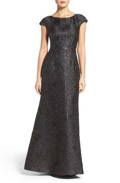 Vera Wang Textured Metallic Gown