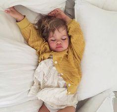 Sleepy baby! || @courtneyAdamo on instagram.