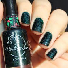 Esmalte Godsend da Penélope Luz. Green nails. Nail art. Indie Polish. Nails by @morganapzk