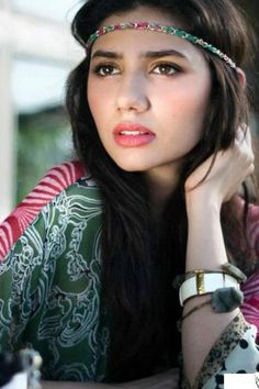 Shahrukh Khan: Mahira Khan Is Beautiful