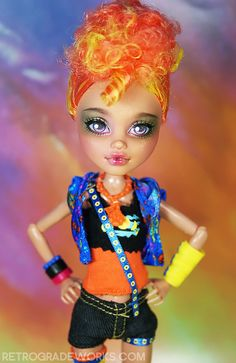 Custom Monster High Repaint: 'Hailey' b Monster Go, Monster Dolls, Custom Monster High Dolls, Monster High Repaint, Cool Monsters, Famous Monsters, Howleen Wolf, Doll Repaint, Princess Zelda