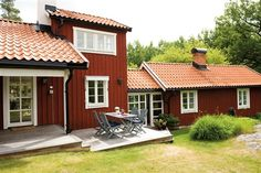 Scandinavian Cottage, Red Houses, Orange House, Red Cottage, House Rooms, Exterior Design, Beautiful Homes, Architecture Design, 1