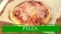 L'impasto per pizza è una preparazione di base preparato con farina, acqua, lievito, olio e sale che vi servirà per realizzare tutte le pizze che vorrete, sottili come in pizzeria o più alte, come quelle al taglio.  La lavorazione della pasta per la pizza, con Bimby vi porterà via solo 3 minuti di tempo  Ricordatevi di cominciare a preparare l'impasto per la pizza almeno un paio di ore prima di infornare le pizze, in modo da consentire una buona lievitazione.