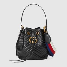 Great news, Gucci GG Marmont quilted leather bucket bag is available at Farfetch Hong Kong! Shop now and take advantage of fast delivery and free returns. Ysl, Leather Purses, Leather Handbags, Quilted Handbags, Versace, Chevron Bags, Structured Bag, Structured Handbags, Women's Handbags