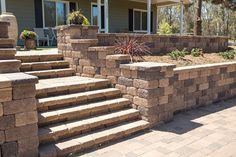 Get inspired by the Keystone Retaining Wall Systems photo gallery to spark your imagination with the standard for excellence in the segmental industry. Keystone Retaining Wall, Backyard Retaining Walls, Retaining Wall Design, Retaining Wall Blocks, Front Door Landscaping, Sloped Backyard Landscaping, Front Yard Walkway, Front Stoop, Landscaping Ideas