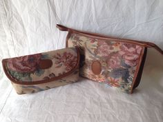 VINTAGE 1980s FLORAL TAPESTRY STYLE COSMETICS & TOILETRIES TRAVEL BAG SET