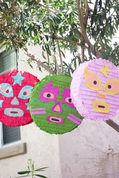 Luchador Piñatas for Cinco De Mayo! Wrestling Birthday Parties, Happy Birthday Parties, Birthday Party Themes, Mexican Birthday, Mexican Party, Mexican Pinata, Diy Piñata, Wwe Party, Mexican Babies