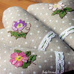 Kreuzstich Herz Blume / Cross Stitching Heart Flower Polka Dot / Bela Stitches
