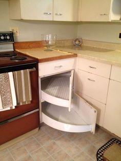 New kitchen corner cabinet organization cutting boards 55 ideas Kitchen Corner, Diy Kitchen, Kitchen Storage, Kitchen Decor, Cabinet Storage, Kitchen Ideas, Cabinet Ideas, Kitchen Organization, Organization Ideas