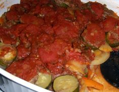 Alsatian onion pie, revisited by the Tatin sisters - Recipe Guide Ratatouille Recipe Allrecipes, Ratatouille Recipe With Meat, Vegetable Ratatouille, Polenta Recipes, Vegan Recipes, Onion Pie, Tasty, Yummy Food, Slow Cooker Recipes