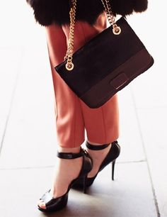 Max, handbag e sandali con tacco alto