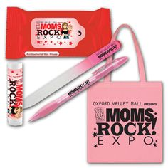 Oxford Valley Mall Moms Rock! Expo themed giveaways.