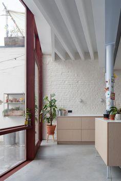 Apartment Interior, Kitchen Interior, Kitchen Decor, Interior Architecture, Interior Design, Floral Room, Kitchen Stories, House Extensions, Beautiful Kitchens