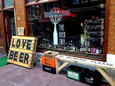 THE BEER TREE - AMSTERDAM BEER SHOPS - Love beer? Check out The Beer Tree, a cool shop in with a great beer selection in bottle and even in growlers! Don't miss their fab tasting events too!