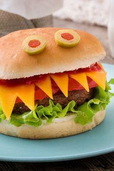 Halloween Snacks For Kids, Easy Halloween, Vintage Halloween, Halloween Crafts, Pumpkin Crafts, A Pumpkin, Kids Menu, Hamburger, Food And Drink