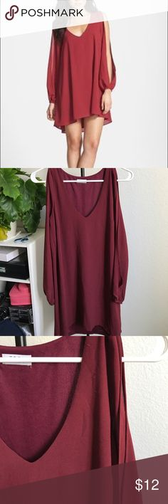 TOBI Burgundy Split Sleeve Dress Super cute and flirty Tobi Dress. Sleeves are 3/4 length and split. Burgundy color. Some minor snags but in great condition! Tobi Dresses