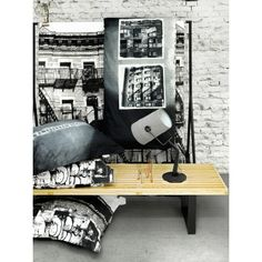 Streetview. Een rauwe streetview print van Brooklyn uit de collectie van VNDCK. Turntable, Brooklyn, Music Instruments, Prints, Fashion Styles, Record Player, Musical Instruments