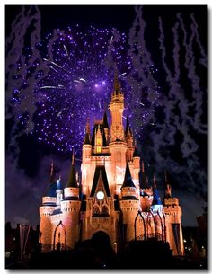 """Want to get proposed in front of Cinderella's Castle with fireworks that say """"Will you marry me Madina"""" <3 #sosappy #iknow #dreamin"""