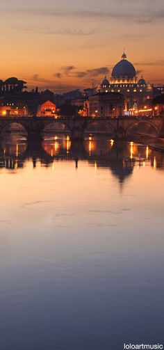 Tiber river - Rome, Italy