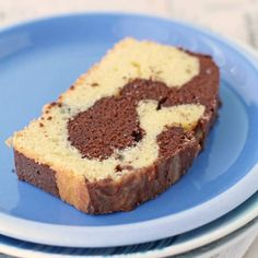 This moist chocolate marble loaf cake is made with sour cream and dark chocolate in this easy marble pound cake recipe Marble Pound Cakes, Marble Cake, Chocolate And Vanilla Cake, Chocolate Flavors, Chocolate Cakes, Chocolates, Brownies, Loaf Cake, Pound Cake Recipes