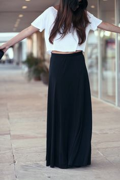 Black maxi skirt. I'm on the hunt for one of these!