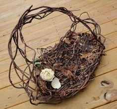 Wild grapevine basket
