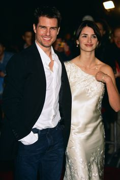 Tom Cruise Birthday, Celebrity Couples, Celebrity Style, Tom Cruz, Cruise Dress, Z Cam, New Girlfriend, Beauty Portrait, Red Carpet Dresses