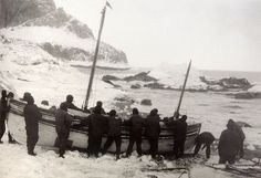 Preparing to launch the James Caird - April 24th 1916