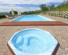 Pool with Jacuzzi in Gradara (Italy) - Campaya