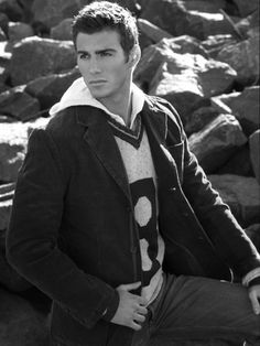 Model Monday -- Even More Justin Clynes! Justin Clynes, Justin Thomas, Cosmopolitan Magazine, Good Looking Men, Character Inspiration, Male Models, Black Hair, How To Look Better, Actors