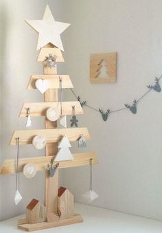 Top 20 Pallet Christmas Tree Designs To Pursue Pallet Christmas Tree, Christmas Tree Design, Beautiful Christmas Trees, Noel Christmas, Rustic Christmas, Xmas Tree, Christmas Projects, Christmas Ornaments, Nail Noel