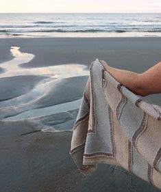 Ravelry: Sand Ripples pattern by Laura Aylor