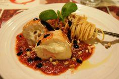 Fetafylt Kylling med Spaghetti og Tomat- og Balsamicosaus