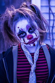 Halloween costume/Creepy clown kids