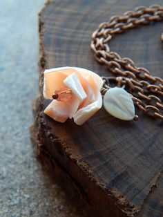 Seashell necklace coral rosette flower necklace by AJBcreations #seashell #mermaid #flower #necklace #boho #woodland #jewelry #AJBcreations