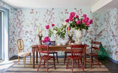 Wallpaper Panels, Fabric Wallpaper, Wall Wallpaper, Textile World, How To Install Wallpaper, Chinoiserie Wallpaper, Commercial Design, Designer Wallpaper, A Boutique