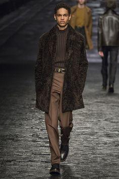 Catwalk photos and all the looks from Corneliani Autumn/Winter 2016-17 Menswear Milan Fashion Week