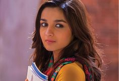 You might have met different types of girls at different moments of life. But Bengali girls are way too exceptional and unique to hang out. Bollywood Couples, Bollywood Celebrities, Bollywood News, Female Celebrities, 4k Hd, 1080p, Alia Bhatt 2 States, 2 States Movie, Arjun Kapoor