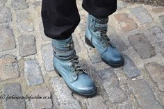 Try out coloured boots like these blue ones instead of the usual black and brown Black And Brown, Combat Boots, Spring Summer, Footwear, Pearl, Street Style, My Style, Blue, Shoes
