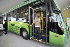 Com investimentos de R$ 400 milhões, Curitiba é pioneira na utilização de ônibus com dois motores, um abastecido por energia elétrica e outro por biodiesel. Os 30 veículos já transportam cerca de 20 mil passageiros por dia, com uma redução significativa de 35%, tanto no consumo de combustível quanto na emissão de gás carbônico (INFO Online)