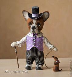 Купить Бульдог Жак валяная игрушка - разноцветный, бульдог, сиреневый цвет, шляпа с полями, такса