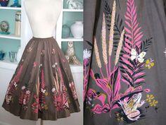 1950s Frog Print Skirt / Vintage 50s Cotton Brown Full Paneled Skirt w Pink Frog Butterfly Novelty Print / High Waist Skirt / Rockabilly - M