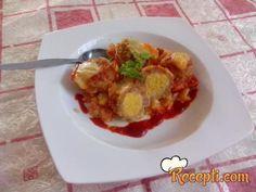 Recept za Punjene ćufte. Za spremanje ovog jela neophodno je pripremiti mleveno meso, pirinač, kačkavalj, začine, biber, kurkumu, so, ulje, hleb, majonez.